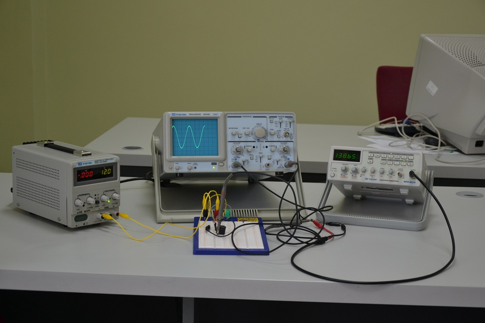 Electrical Circuits Lab